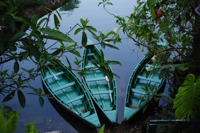 foto-13-boats-pokhra